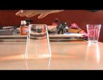 Triukas su vandeniu: kaip priversti vandenį laikytis formos be puodelio!
