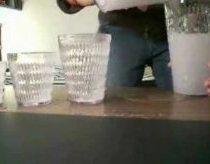 Magiškas triukas su stiklinėmis