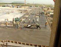 Įsiutęs ir supykęs betono lyginimo aparatas