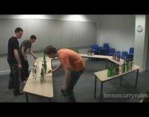Vengrų šokis sugrotas 146 buteliais