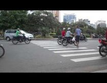 How To Cross A Street In Vietnam