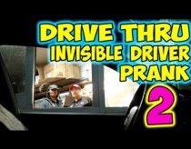Mašina be vairuotojo važiuoja prie DRIVE kavinių - kaip reaguotumei tu? (Pokštas)