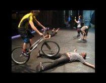 Išbandymas: nesujudėk kitaip... (arba kaip profesionaliai laviruoti dviračiu)