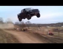 Nalabai pasisekęs Ford Raptor šuolis!