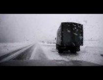 Vos neįvykusi avarija slidžiame kelyje