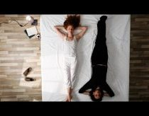 Her Morning Elegance (jos elegantiskas rytas) / Oren Lavie