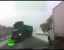 Death before your eyes - trucks on slippery road