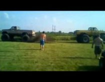 Monster Truck Tug Of War