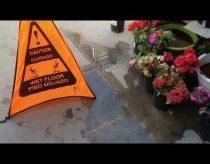 Šlapios grindys pavojingos - o ypač vaikams