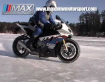 S1000RR on Ice - MAX BMW.