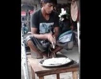Indian man cuts onion faster than a blender