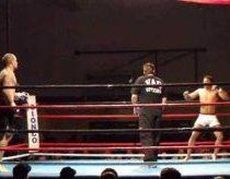 Greičiausias Nokautas (priešininkas krenta po 20s kovos) naudojant Capoeira kovos būdą