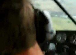 Pilotas nualpsta viduryje skrydžio arba kaip išgasdinti draugą