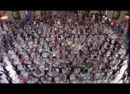 Sokiai Belgijos centrineje stotyje (flashmob)