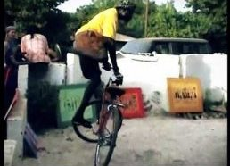 Pribloškiantys Afrikiečio(Senegaliečio) dviračio triukai
