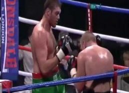 Tyson Fury punching himself in the face