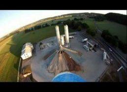 RC lėktuvėlis su GoPro Kamera skraido po Vokietijos vietoves