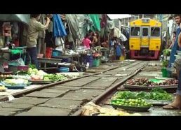 Traukinys turguje Bankoke