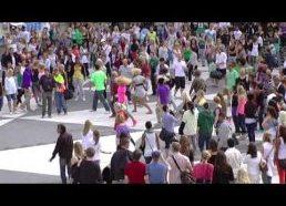 Masiniai Michael Jackson fanų šokiai (Stokholmas Švedija) flash mob