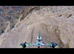 Atgalinis salto su dviračiu per 22m kanjoną - Kelly McGarry 2013