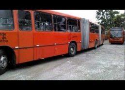 Autobuso iš trijų dalių parkavimas