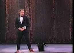 Komediantas ir žonglierius Michael Davis (anglų kalba)