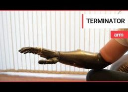 'Terminatoriaus' ranka - labai moderini protezuota rankos galūnė
