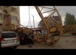 Nukrito kranas ir nudaužė 9 balkonus - Rusijoje