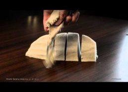Kinetinis Smėlis - smėlis limpantis tik pats prie savęs