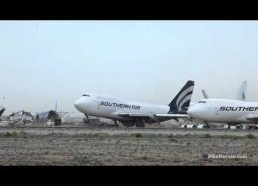 Amazing video of 747 lifting in place in extreme wind conditions