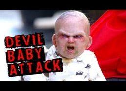 Vaikas demonas atakuoja - slapta kamera - pokštas